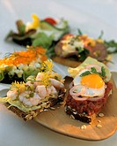 Smorgasbord variations (with shrimps, caviare, tartar & egg)
