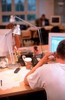Schreibtisch - Mann bei der Arbeit | Desk - Man at Work |  fully-released
