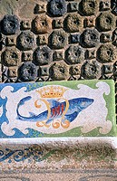 Mosaic on bench, exterior of Bellesguard villa (Gaudí, 1900-1902). Barcelona. España