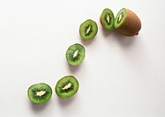 Kiwi and kiwi slices