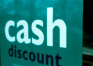 'Cash discount' text on sign, close-up