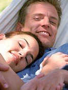 Couple in hammock (thumbnail)