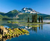 Sparks Lake and S. Sister. Deschutes National Forest. Century Dirve. Bend. Oregon. USA
