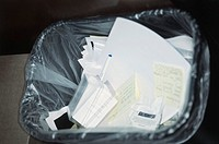 Overhead image of a waste paper basket (thumbnail)