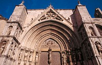 Puerta de los Ap&#243;stoles (14th century) in church of Santa Maria. Morella. Castellon province. Spain