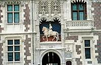 Château de Blois. Louis XII´s Wing with equestrian statue of the King. Blois. Loir-et-Cher, France