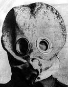 1.Weltkrieg, Westfront 1914 - 1918, Gaskrieg, Gasmaske, Englische Ausführung,   Gas, Kampfgas, Gaskrieg portrait, soldat, erster