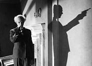 Film, ´Die Bande des Schreckens´, BRD 1960, Regie: Harald Reinl, Szene mit Elisabeth Flickenschildt  krimi nach einem roman von edgar wallace, frau ve...