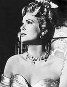 Film ´ Über den Dächern von Nizza ´ ( To catch a thief ) USA 1955, Regie: Alfred Hitchcock, Szene mit: Grace Kelly  portrait, nach oben blickend, schö...