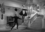 Film ´Das einfache Mädchen´, Regie:  Werner Jacobs, BRD 1957, Szene mit  Caterina Valente & Rudolf Prack  hausmädchen, schürze, kleid, singend, dienst...