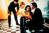 Film, ´Es beginnt heute´ (Ca commence aujourd´ hui), F 1999, Film mit Philippe Torreton, Maria Pitarresi & Nadia Kaci,  familie, junge mit nacktem obe...