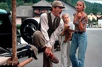 Film, ´Der Bär ist los´, BRD/Tschech. 1999, Regie Dana Vavrova, Szene mit Heinrich Schafmeister, Janina Vilsmaier & Ivana Chylkova, schmerz, schmerzen...