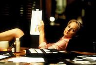 Film, ´Was Frauen wollen´  (What Women Want), USA 2000,  Regie Nancy Meyers, Szene mit Helen Hunt,   komödie, romanze, an tisch arbeitstisch sitzend m...