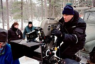 Film, ´Jenseits aller Grenzen´ (Beyond Borders), USA / BRD 2003, Regie Martin Campbell, Regisseur während der Dreharbeiten,  drama, romanze, kriegsfil...