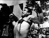 Quinn, Anthony, 21.4.1921 - 3.5.2001 US Schauspieler, Szene aus Film ´La Strada´ ´Das Lied der Straße´ 1954  starker Mann , Kette um Brustkorb , stärk...