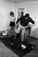 Fassbinder, Rainer Werner 31.5.1946 - 10.6.1982, deut. Regisseur, Aufnahme während der Dreharbeiten mit Hanna Schygulla & NIP zu seinem 1. Kinofilm ´L...