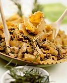 Pappardelle noodles with turkey ragout (con pollo di toscana, 3)
