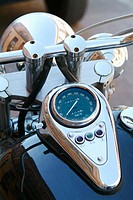 detail custom motorcycle speedometer