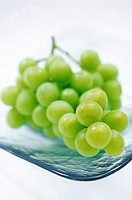 FV6250, Ernst Kucklich, Green Grapes on Glass Plate