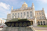 The Russian tank used by Fidel Castro in the defence of The Bay of Pigs invasion parked in front of the Museum of the Revolution (Museo de la Revoluci...