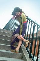 LEG PAIN IN A WOMAN<BR>Model.