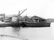 A wide variety of goods were shipped from this dock. It was equipped with cranes and warehouses to store and move goods easily. London´s docks had exp...
