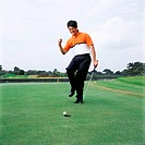 Man playing golf (thumbnail)