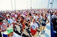 Marathon runners. Verrazano bridge. New York City. USA