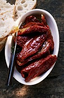 Marinated dried tomatoes, white bread