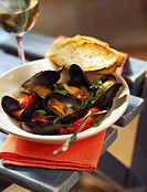 Mussels in wine stock