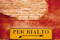 To Rialto sign, Venice. Veneto, Italy