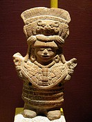 Figurine (late classic period, 550 - 900 A.D.), Maya sculpture in museum. Mérida, Yucatán. Mexico