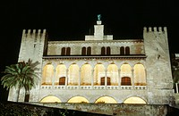 Almudaina Palace at night, Palma de Mallorca. Majorca, Balearic Islands. Spain