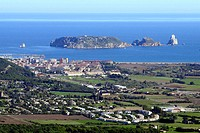 Medes islands and l'Estartit seen from the castle of Torroella de Montgrí. Baix Empordà, Girona province. Catalonia, Spain