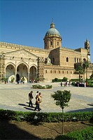 Tourists at cathedral, Palermo Cathedral, Palermo, Sicily, Italy