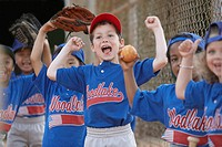 Little League team cheering (thumbnail)