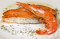 Grilled salmon with prawn