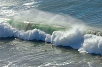 Perfect curling wave breaks. Deer Creek, California, USA