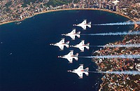 ACAPULCO, Mexico -- The U.S. Air Force Air Demonstration Squadron, 'The Thunderbirds,' perform the six ship Delta formation