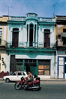 Havana, bike and old house