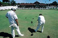 Australia, Bondi, playing cricket