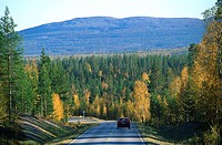 Finland, Lapland, Pyh&#245;tunturi road