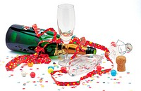Celebrations : Champagne and party streamers