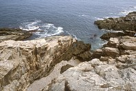 Erosion-of-Basaltic-Dike/nAcadia-National-Park/nMaine