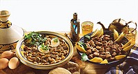 Lamb tajine with almonds & lambs´ liver with mint