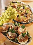 Canapés: turkey with grapes & roast beef with soft cheese