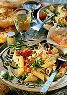 Penne with tuna, tomatoes & peas, wine, flat bread