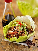 Lettuce leaf stuffed with mushrooms, pork and crabmeat