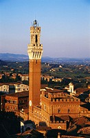 Italy, Siena, Palazzo Pubblico, Torre del Mangia, elevated view