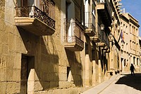 Medieval street at Uncastillo. Cinco Villas, Zaragoza province, Aragón, Spain